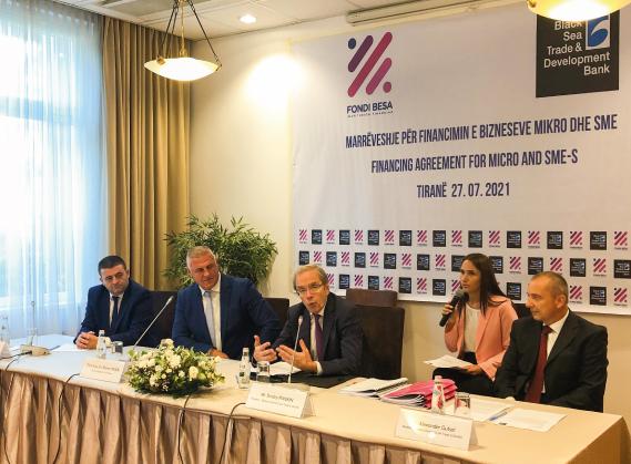 BANKA PER TREGTI DHE ZHVILLIM E DETIT TE ZI dhe FONDI BESA rrisin financimin për biznesin mikro, të vogël e të mesëm në Shqipëri.